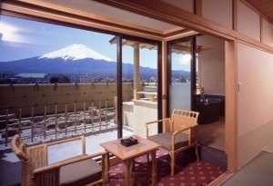 露天風呂付き客室のある旅館 湖南荘